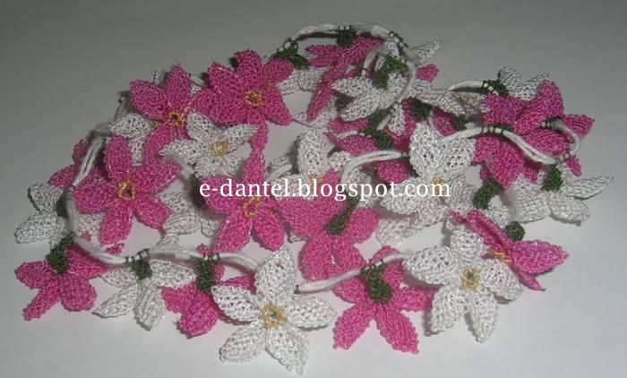 Yıldız Çiçek Motifli İğne Oyası Örneği