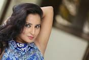 Ishika Singh Latest Glamorous Photos-thumbnail-1