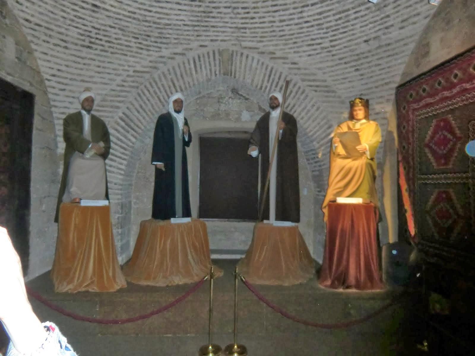 A LA CALAHORRA: Averroes, Ibn Arabi, Maimonide et Alphonse X le Sage, le message de l'Andalus