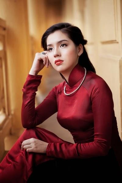 Album áo dài truyền thống VN - hot girl Ngân Giang