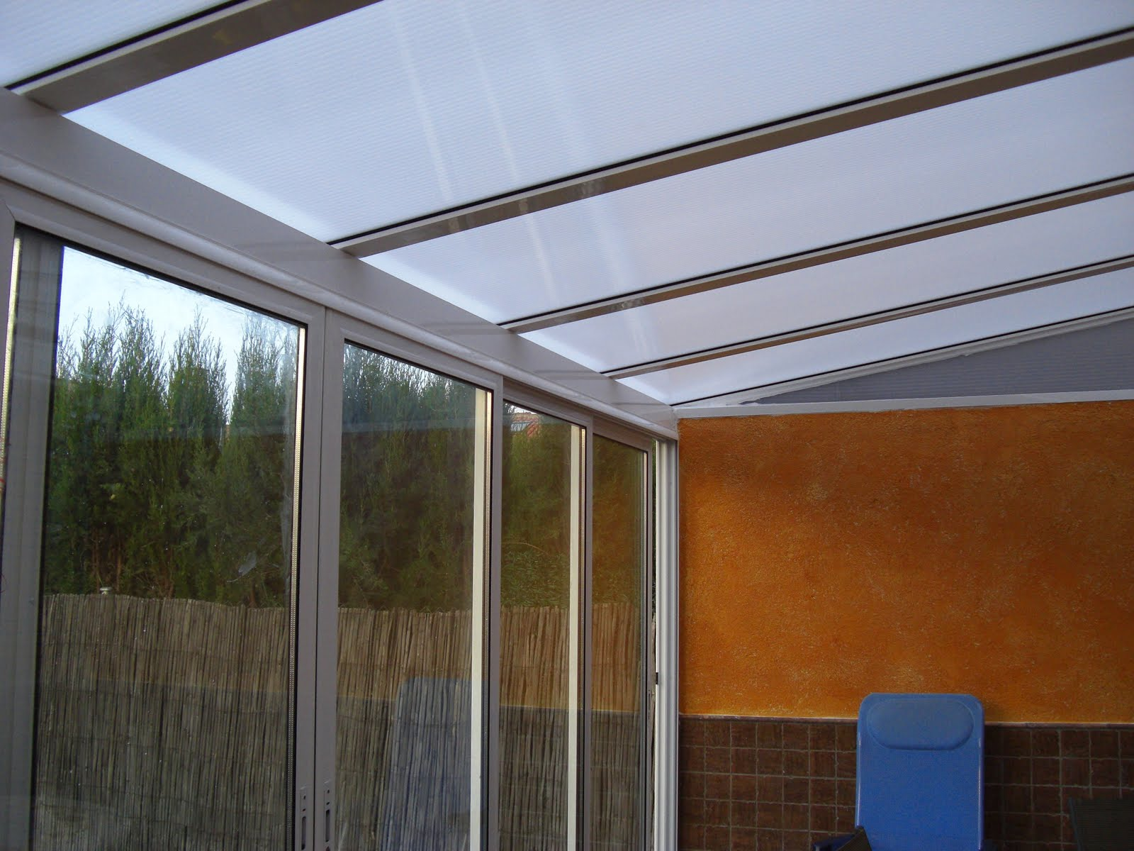 Aluminio y pvc en aranjuez y alrededores alumifrank - Cristales para techos ...