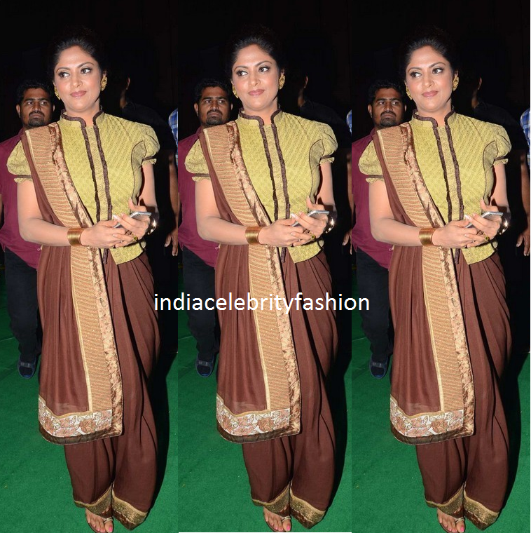 Nadhiya Moidu in trendy draping saree