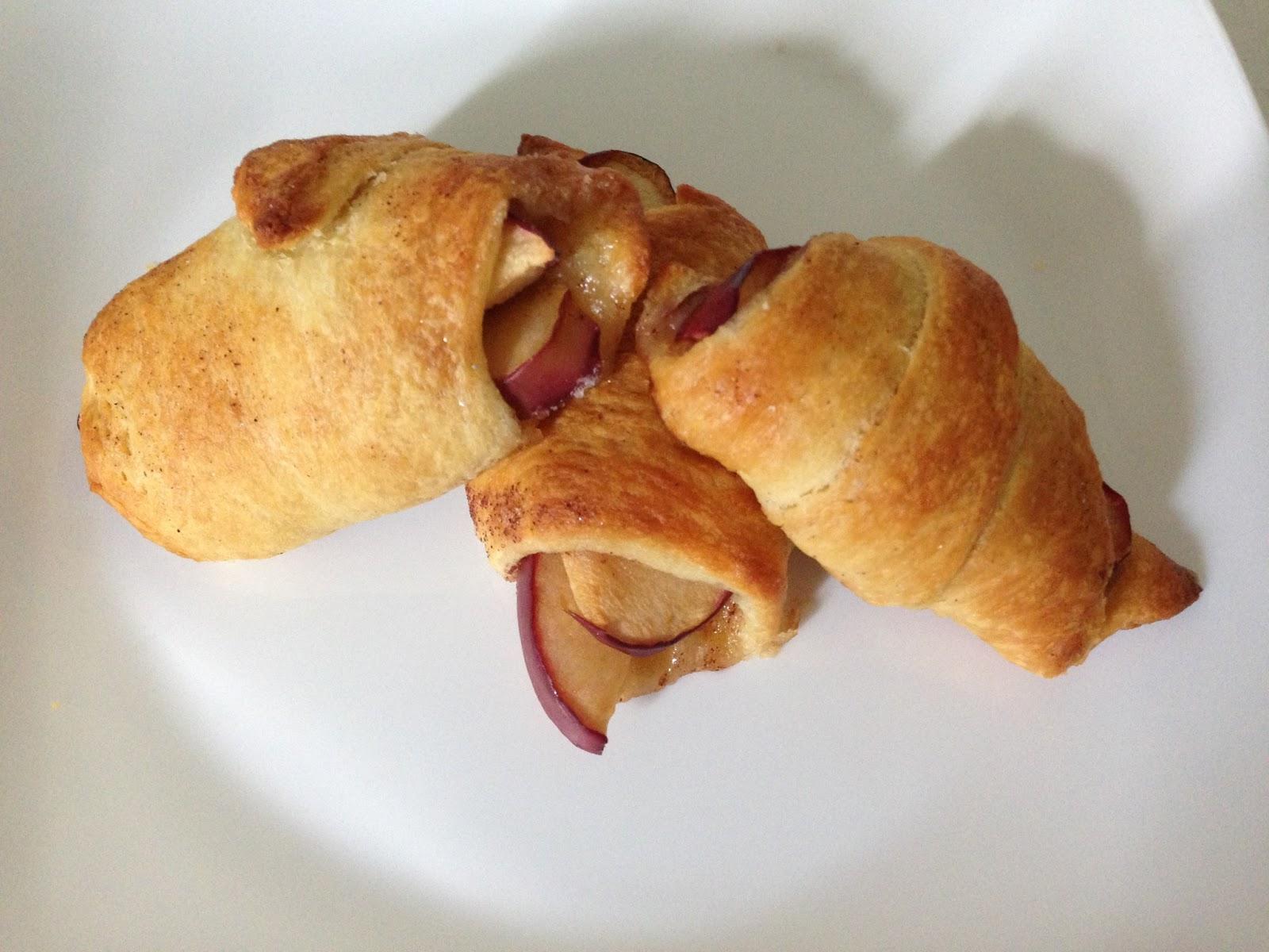 Samantha Chic: Living // Cinnamon Sugar Apple Crescent ...