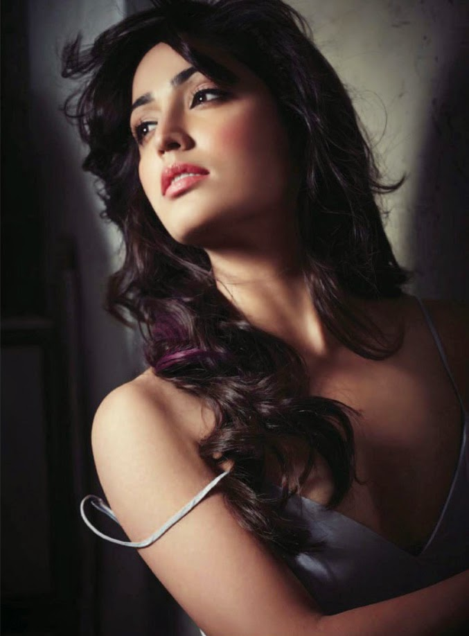 Sexy Yami Gautam in FHM India Magazine