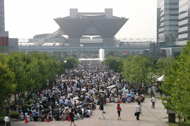 Tokyo Big Sight - miejsce w którym tysiace otaku spotyka się na konwencie Comiket