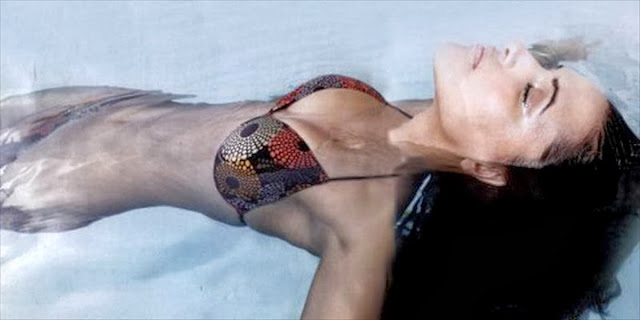 sexy-neha_dhupia's-super-toned-body-in-hot-two-piece-bikini-swiming-in-pool