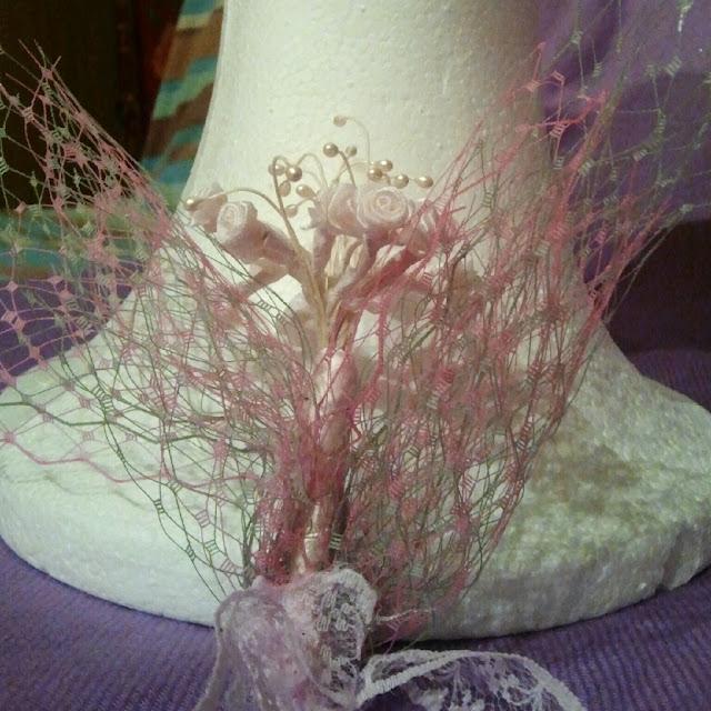 tocado para niña, horquilla para niña, comunión, eventos, niña, boda, celebración, tul, ramillete, flores