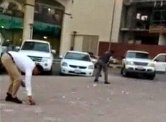 Video Pengguna Jalanraya Terkejut selepas Hujan wang kertas di Dubai