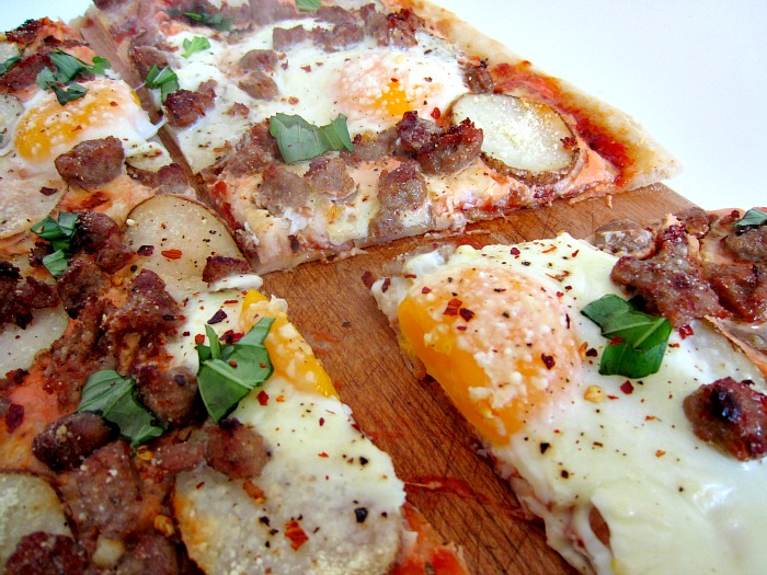 BREAKFAST PIZZA WITH TURKEY SAUSAGE, POTATOES, AND EGGS
