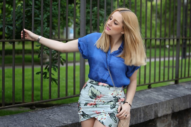 look_spring-primavera_conjunto-daily_outfit-flowered_skirt_blue_shirt
