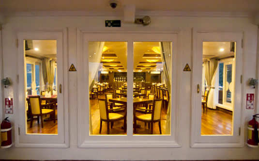 Restaurant - Au Co Cruise