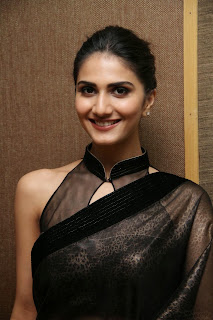 vaani kapoor new  stills in black saree(6)