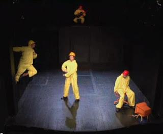 El increíble caso de los hombres-libro en el Teatro La Capilla