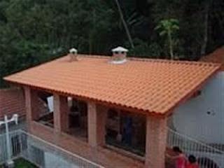 Montagem de telhado colonial