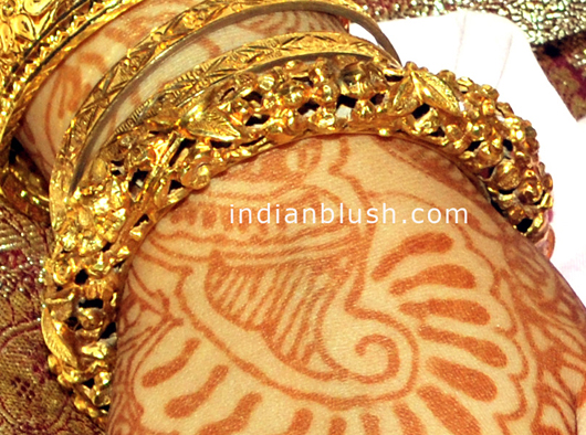 bengal wax bangle with gold degisn