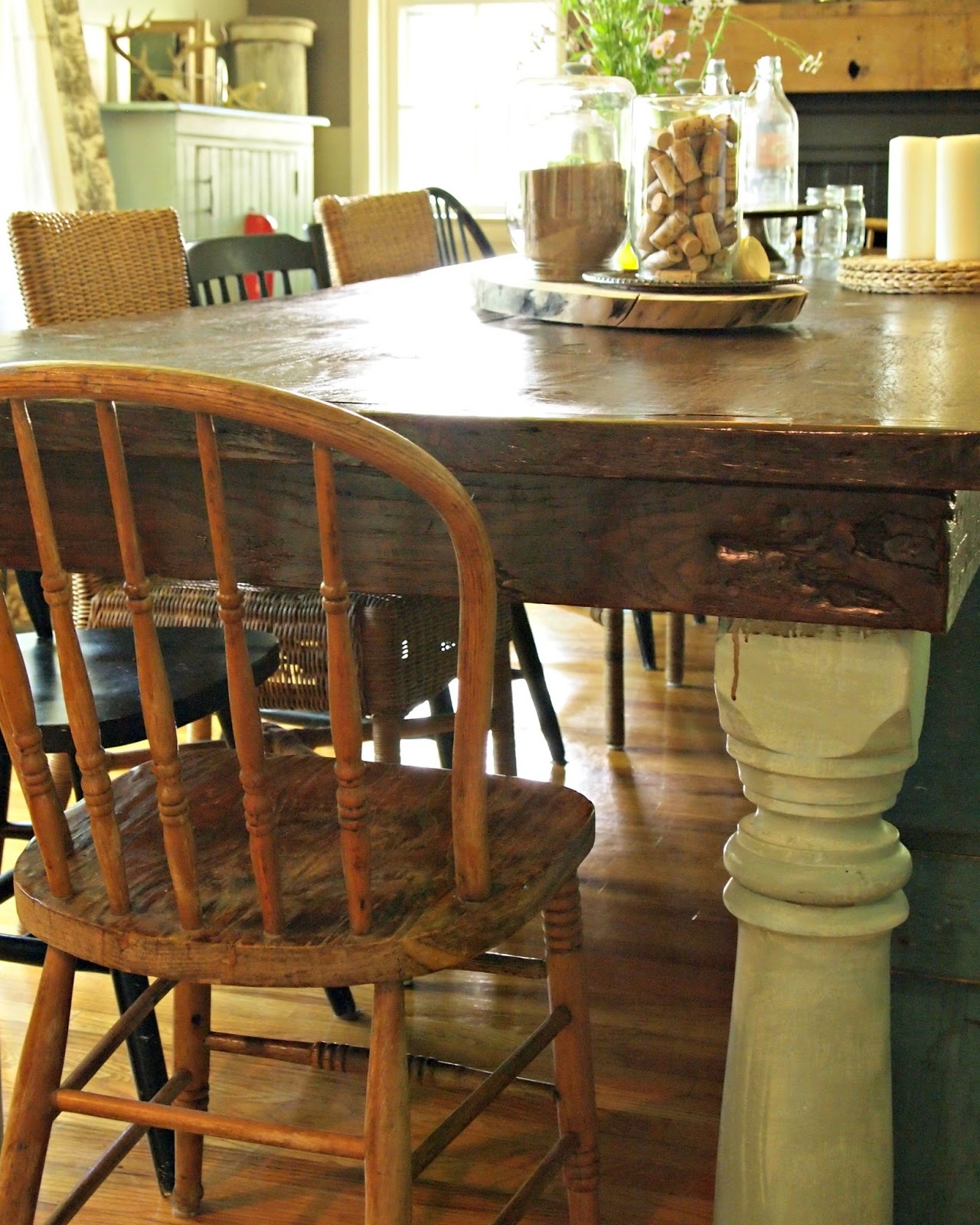 Farmhouse dining room for Dining room farm table
