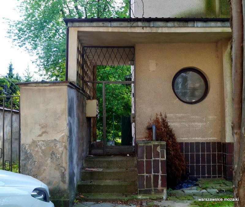 willa kamienica mała uliczka Żoliborz Lech Jarosław Kaczyński schronisko dla bezdomnych