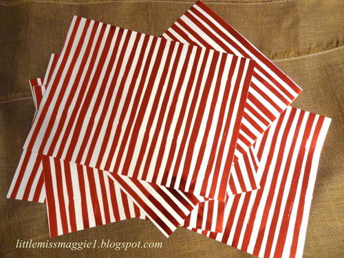 LittleMissMaggie: Wrapping Paper Placemats