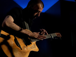 Guitar Virtuoso Jon Gomm Seeks Musicians To Open UK Tour Dates