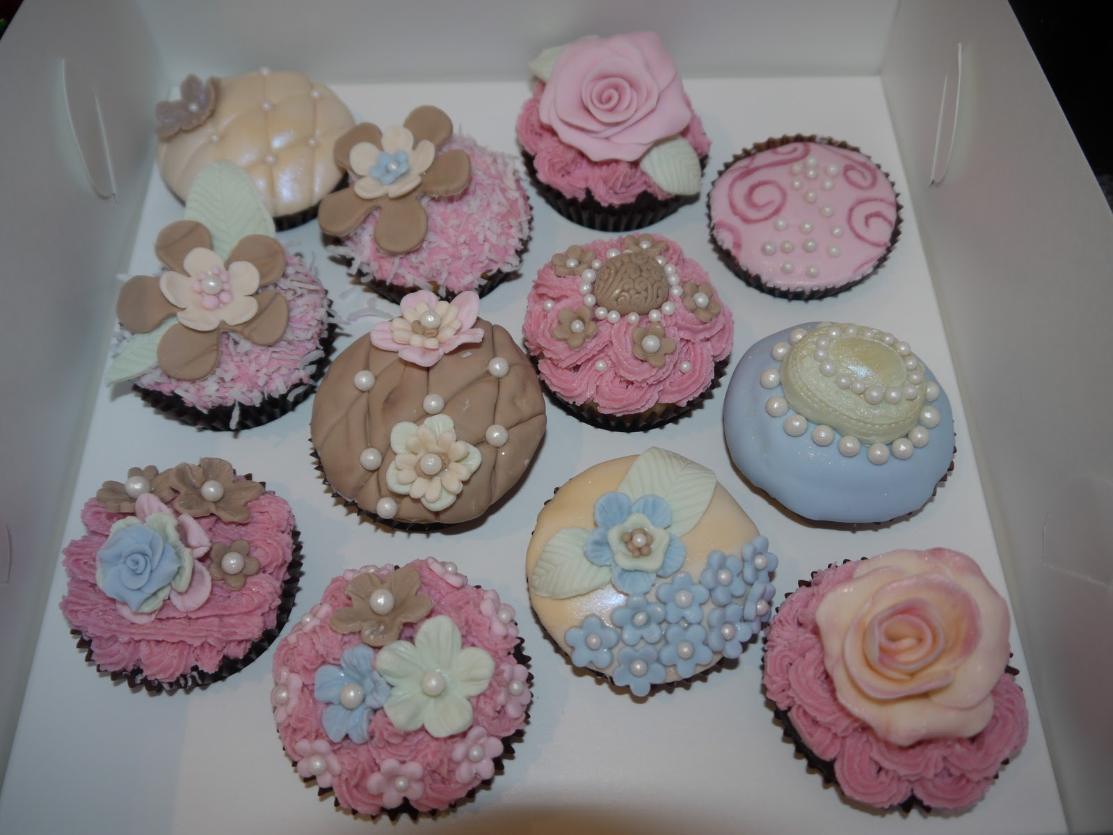 Cake Decorating Central Castle Hill : Sugar on Top: High Tea Cupcakes - Shabby Chic