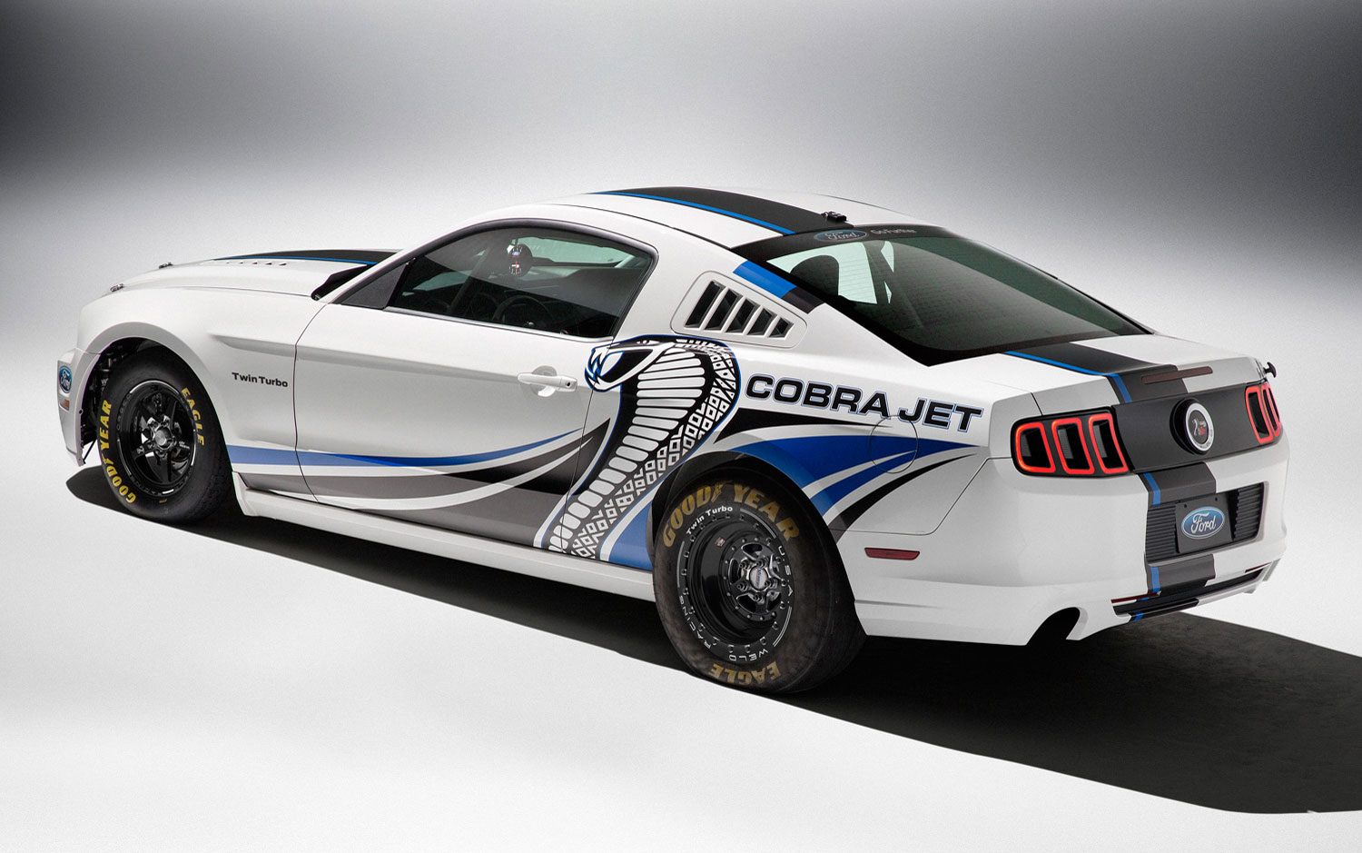 Ford Mustang Cobra Jet Concept Gets Twin-Turbo 5.0L V-8, Debuts at