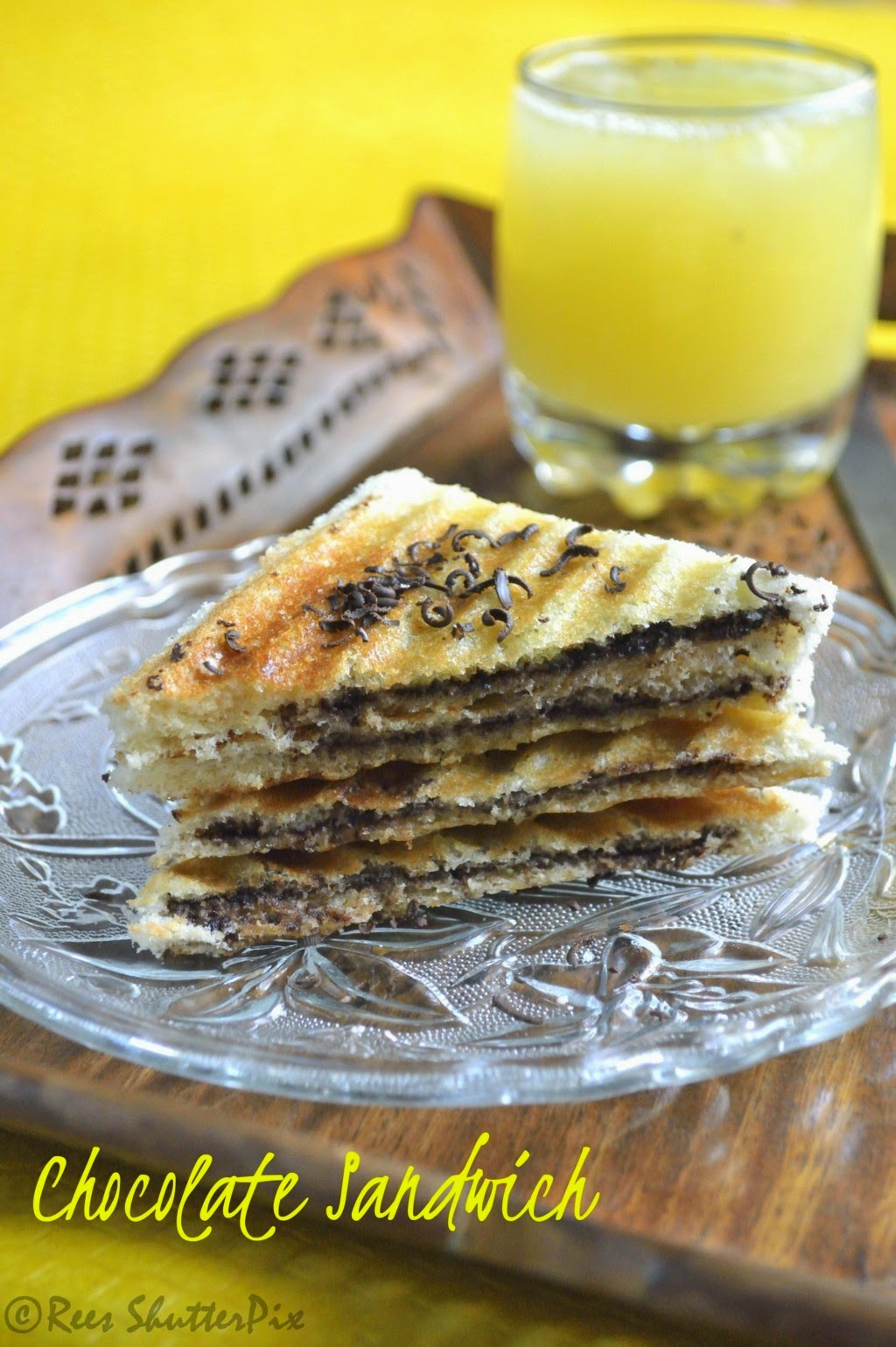 Grilled Chocolate Sandwich with Sweet Lime Juice Recipe,Brench Recipes,easy sandwich ideas, grilled sandwich recipes, chocolate sandwiches recipes, grilled chocolate sandwich recipes. kids favourite recipes, mosambi juice recipe, sathukudi juice recipe, sweet lime juice recipe