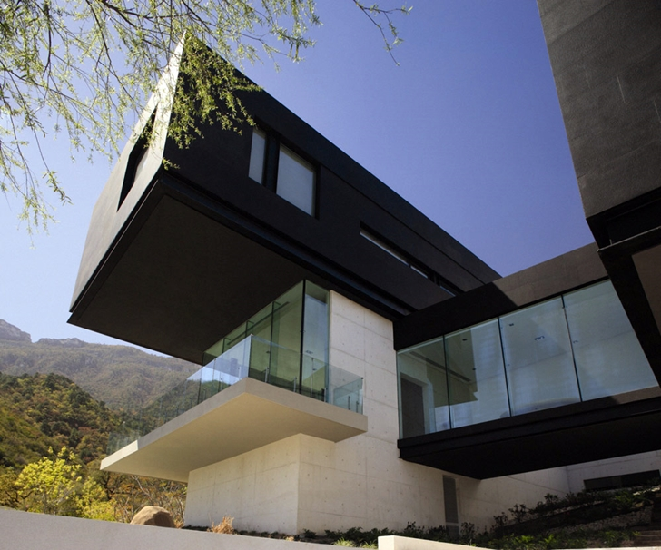 Shape of Modern contemporary CT House in Mexico