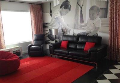 Desain Ruang Tamu Modern Merah Putih