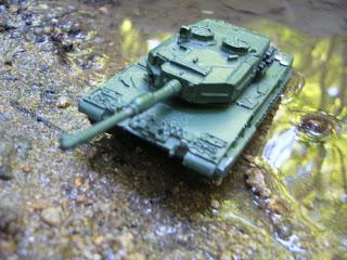 maqueta en miniatura del carro de combate Leopard 2