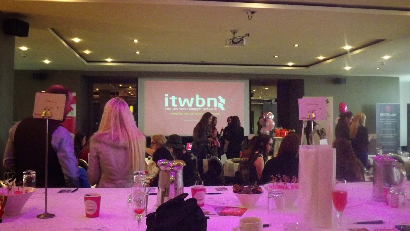 itwbn in to the west blogger network