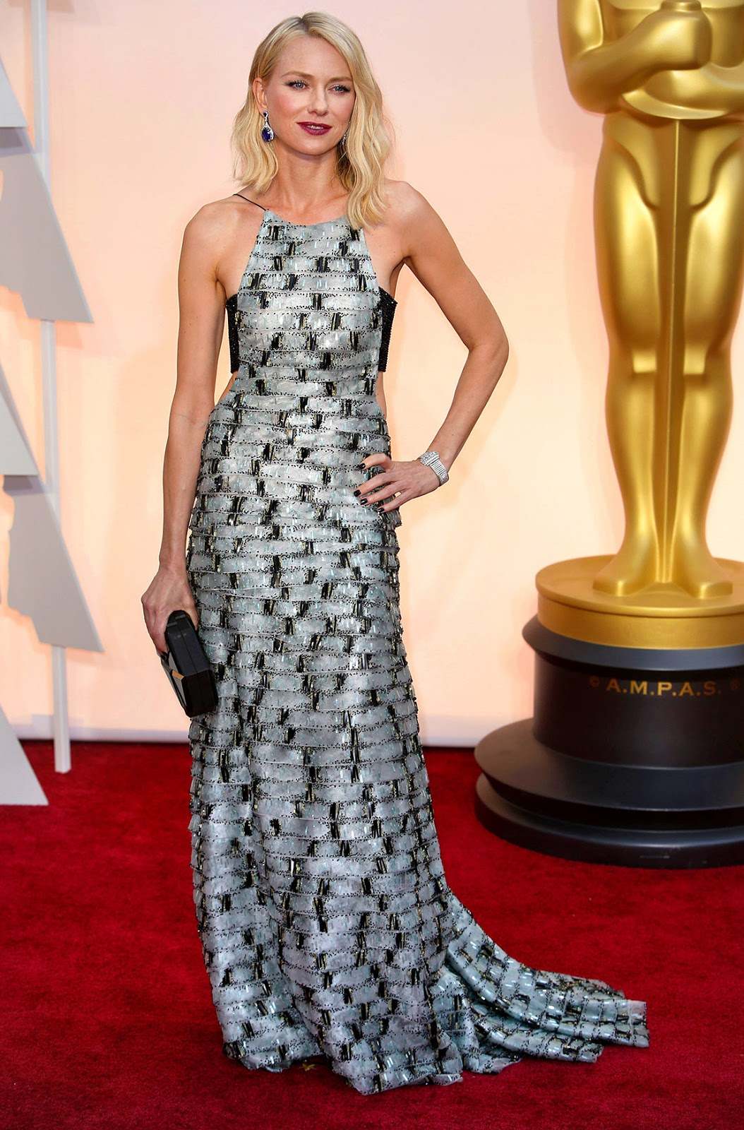 Naomi Watts in Armani at the Oscars 2015