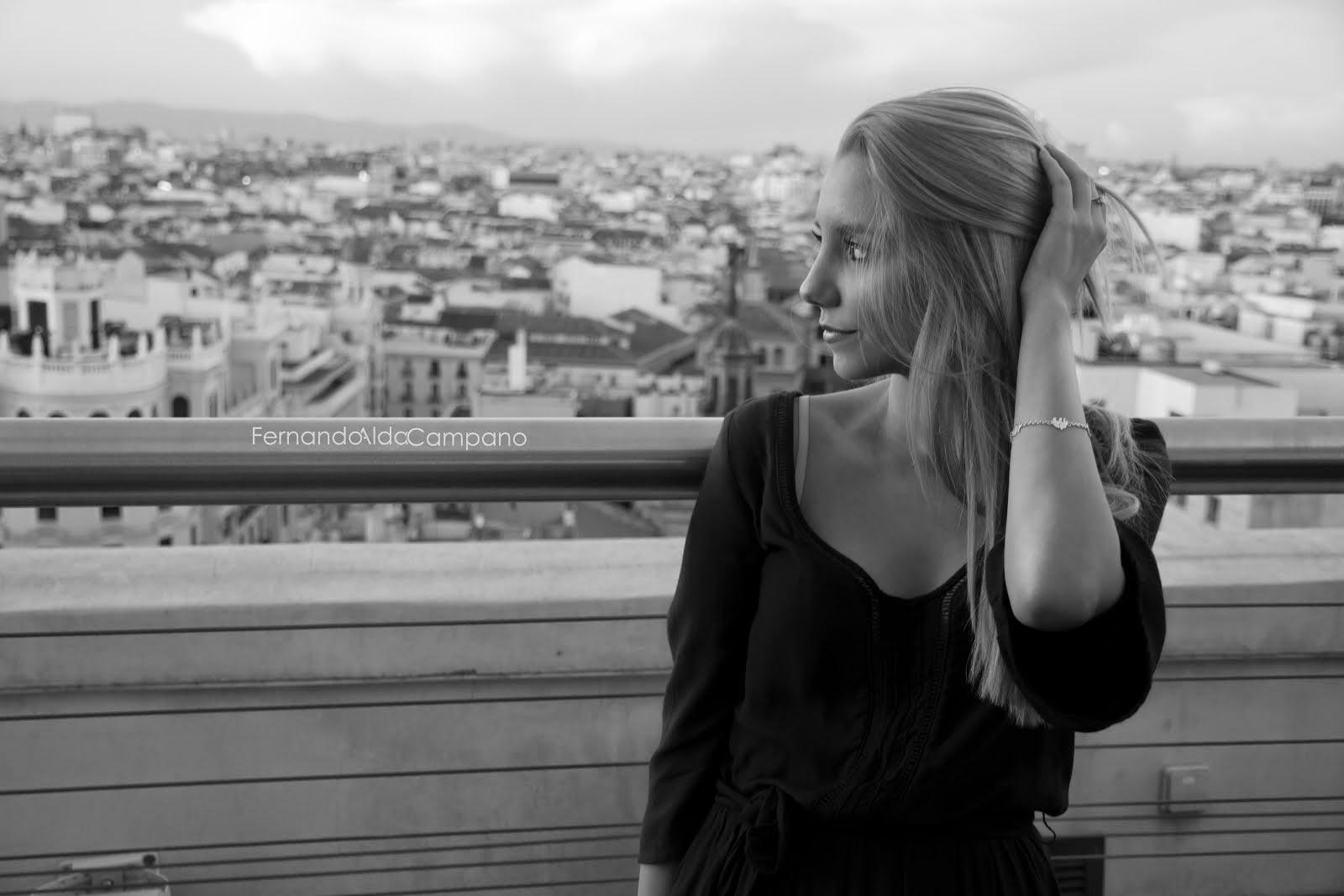 Locura, ¿qué es locura?  Una actitud, un miedo, una penumbra, una sonrisa, un beso, un te quiero.