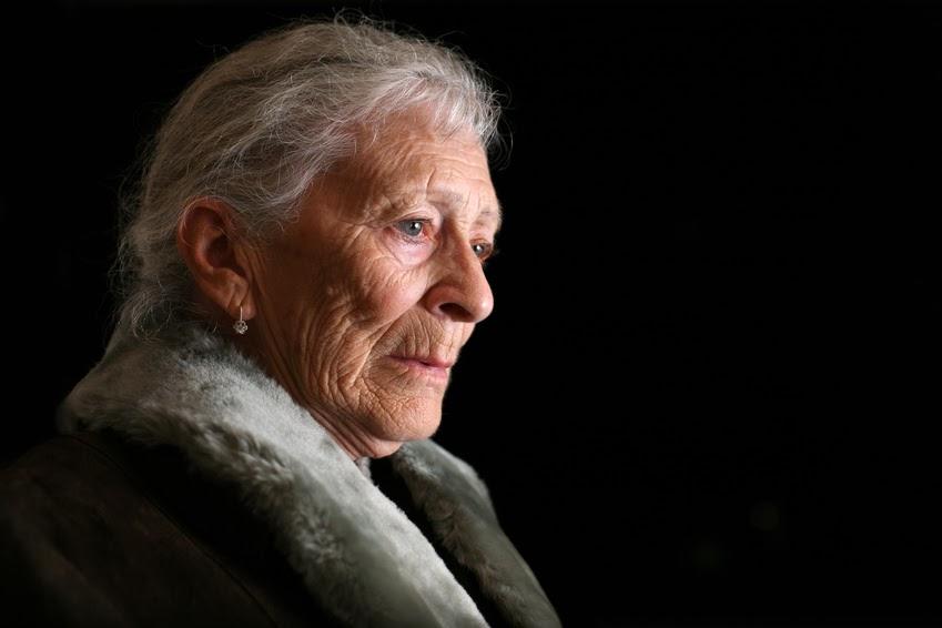 Elderly woman - flash fiction
