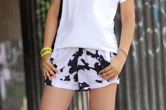 Shorts Estamapado de Vaca