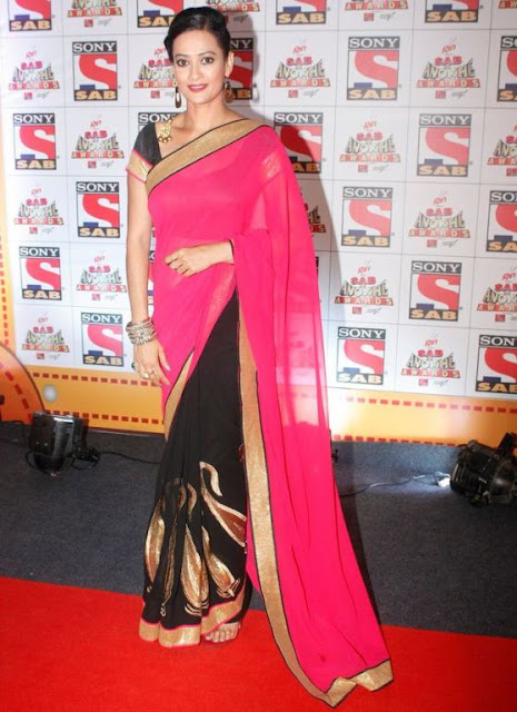 Jasveer Kaur in Pink Black Saree Blouse