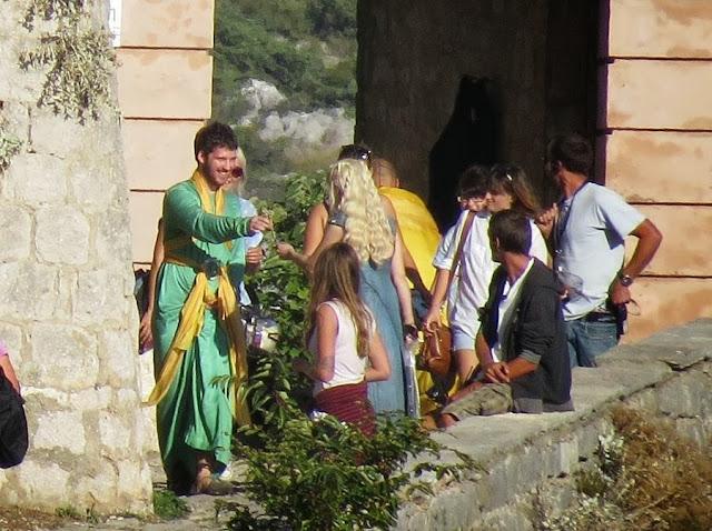 Emilia clarke daenerys rodaje 2 - Juego de Tronos en los siete reinos