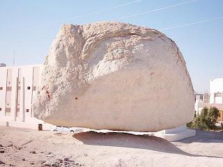 batu bergantung