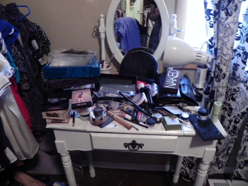 Confessions Of A Beauty Holic My Cheap Diy Vanity Makeover