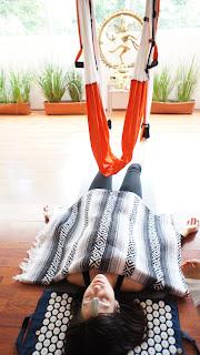 Si deseas formarte como profesor de AeroYoga®  únete a la experiencia de primer método Aéreo i internacional made in Spain. Curso de 200 horas, homologable con las principales asociaciones de yoga internacionales, (50 horas presencial 150 horas practicas a distancia supervisadas).  Primer método aéreo supervisado por personal sanitario. Primer método aéreo de Europa.  Primera marca registrada de Yoga Aéreo en Estados Unidos, Europa y América Latina.