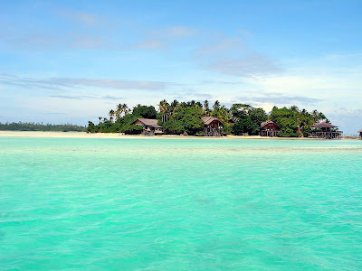 derawan island by indonesian tourism