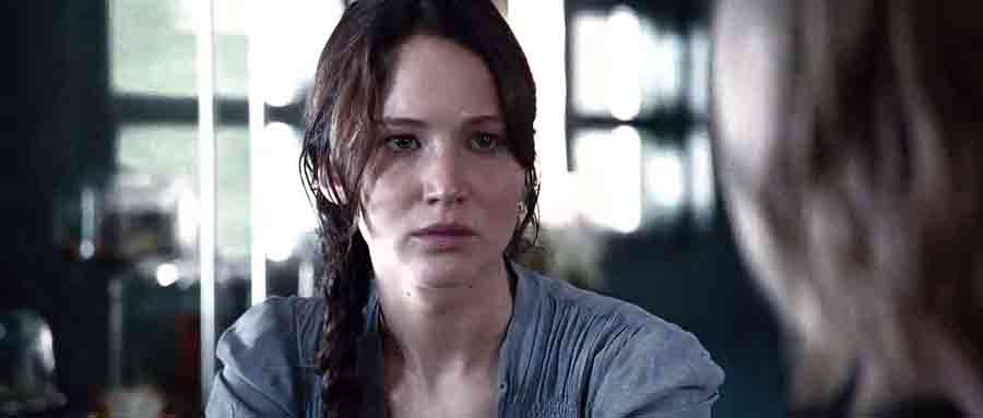 Screen Shot Of Hollywood Movie The Hunger Games (2012) In Hindi English Full Movie Free Download And Watch Online at worldfree4u.com