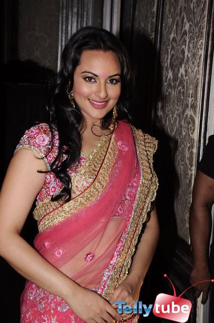 Sonakshi Sinha walks the ramp for Maheka Mirpuri Show in Taj Hotel, Mumbai on 12th Oct