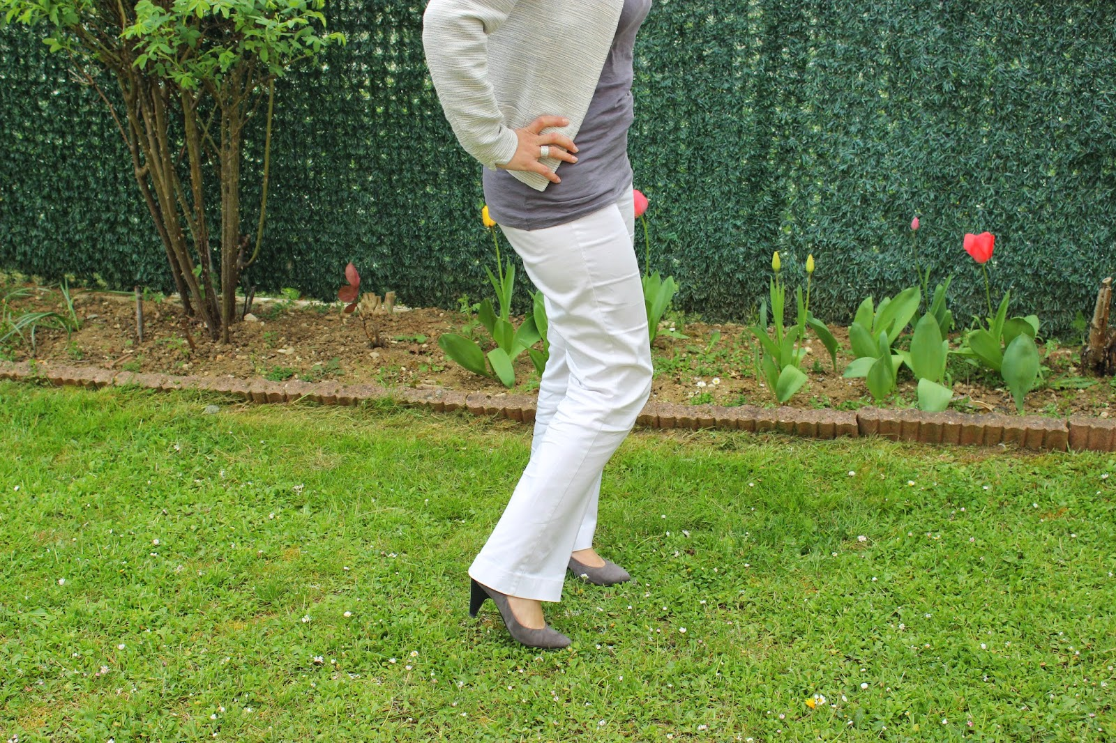 veste Naf naf pantalon blanc