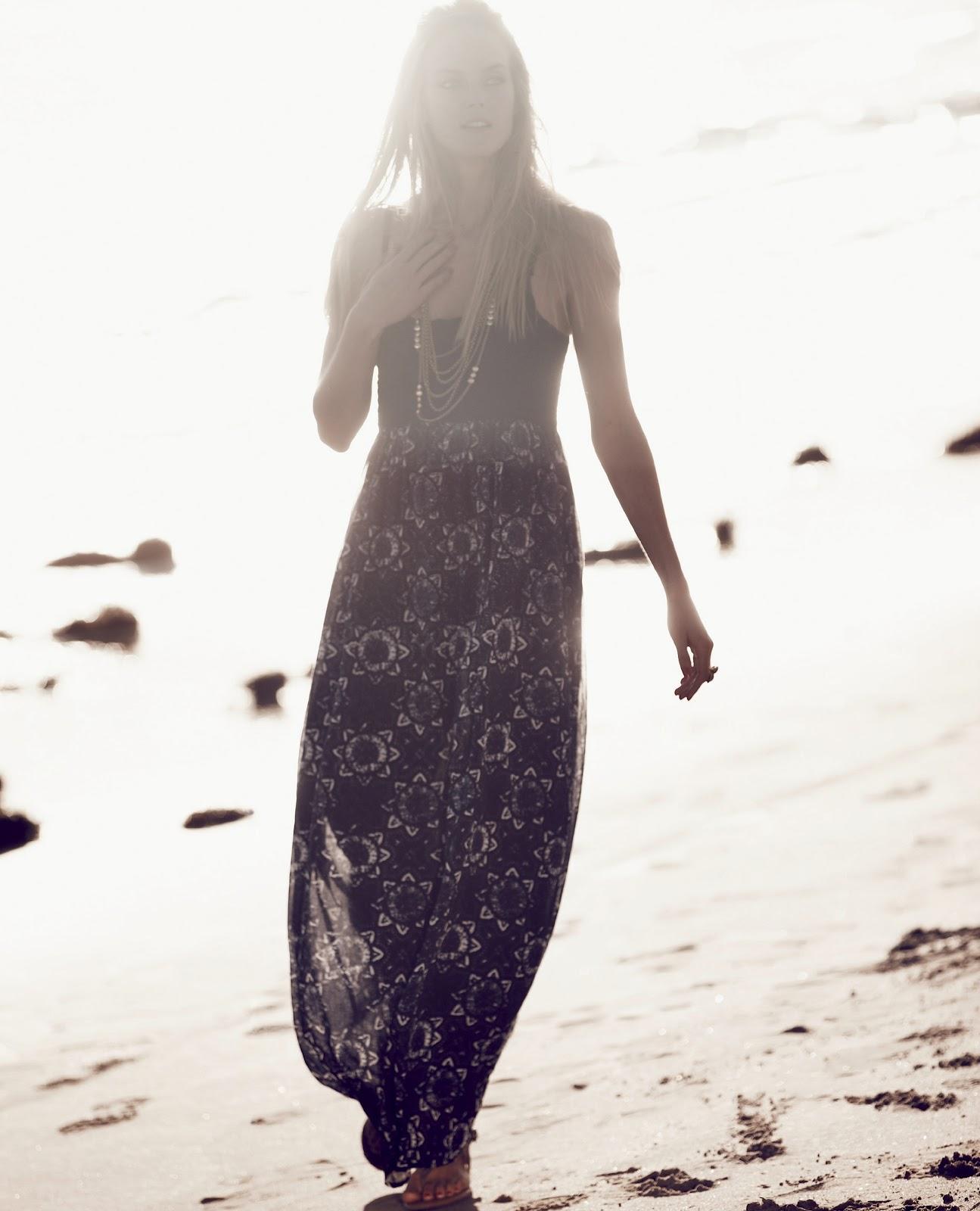 http://4.bp.blogspot.com/-xvB0GDx5o20/T9fNPHBxhpI/AAAAAAAACV4/nc9neUVLuw4/s1600/Lucky+Brand+Summer+2012+\'Vision+Of+Summer\'+Catalog+(8).jpg