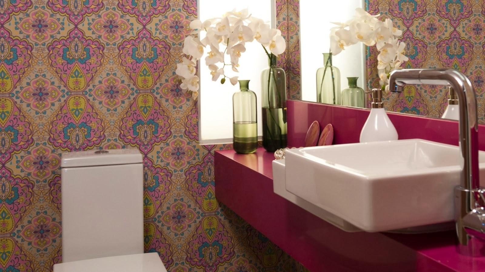 Banheiros de luxo com pastilhas mármore madeira  #3D1D1C 1600 900