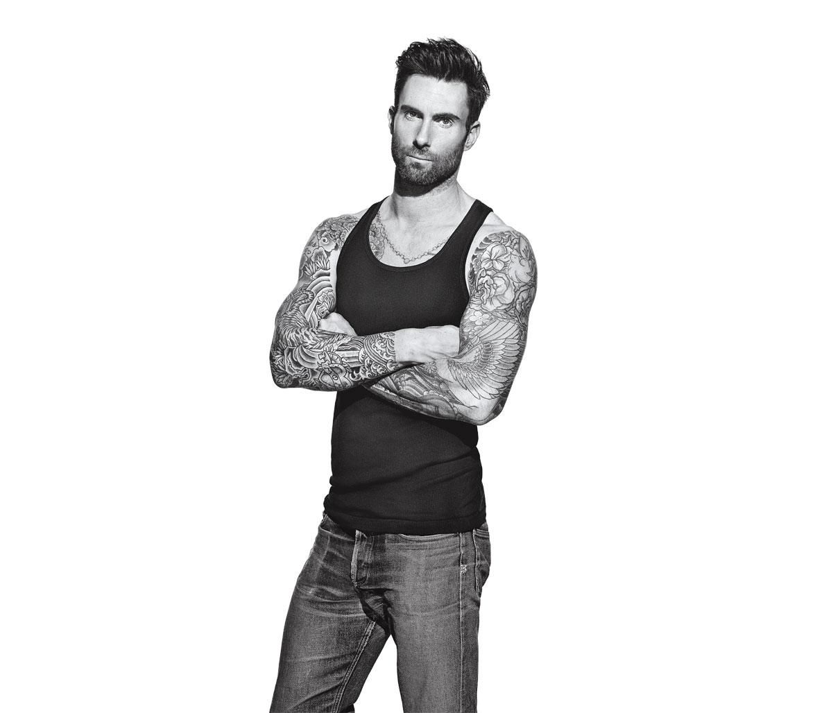 Adam Levine aparece de camiseta na capa da edição de março da Men's Fitness. Foto: Peter Yang