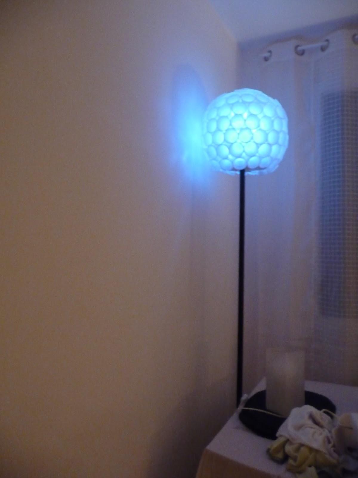 ma vie courante mon abat jour design en gobelet. Black Bedroom Furniture Sets. Home Design Ideas