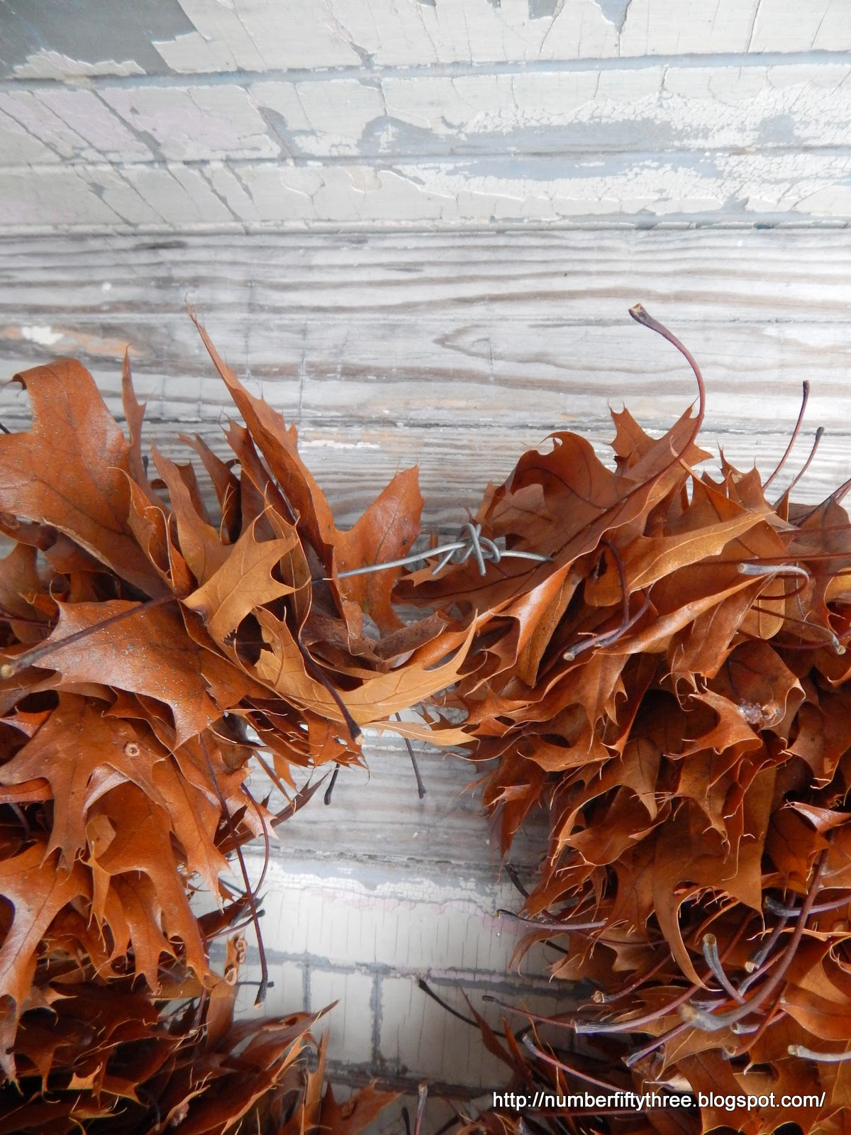 Oak leaf wreath made with wire