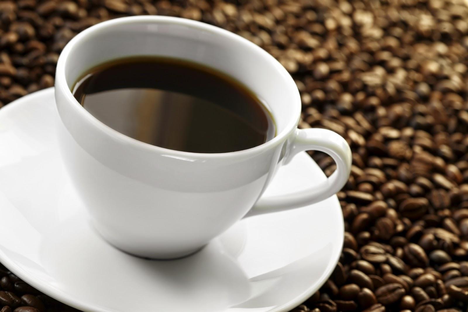 Erős fekete kávé