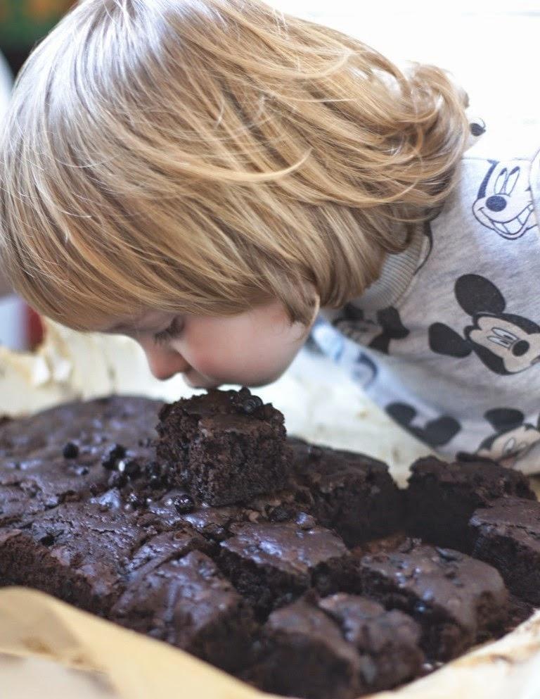 Čokoladni brownies sa borovnicama